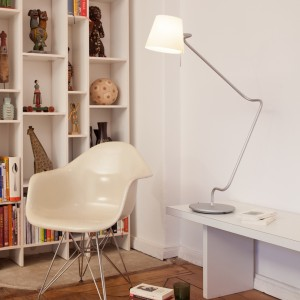 Serien Lighting Elane Tischlampe lang